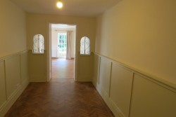 Property Image #7 of 31