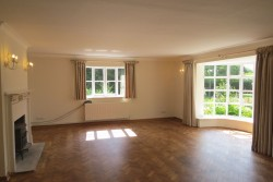 Property Image #10 of 31