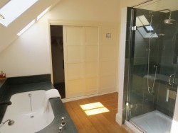Property Image #11 of 28