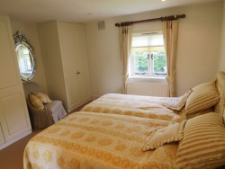 Property Image #14 of 28