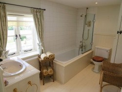 Property Image #13 of 28
