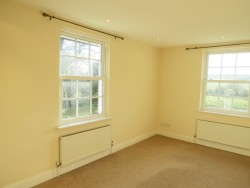 Property Image #16 of 30