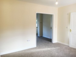 Property Image #5 of 11