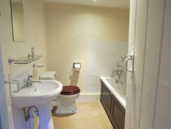 Property Image #11 of 14