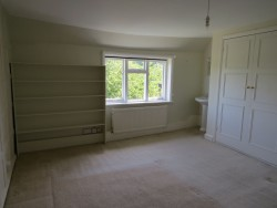 Property Image #11 of 35
