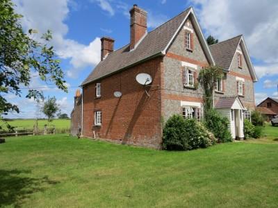 Beckford Lane, Southwick, Nr Wickham / Petersfield / Portsmouth, Hampshire