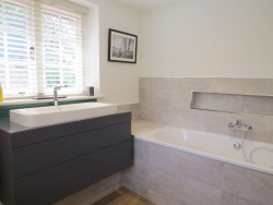 Property Image #16 of 28