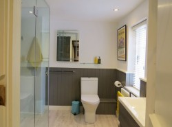 Property Image #17 of 28