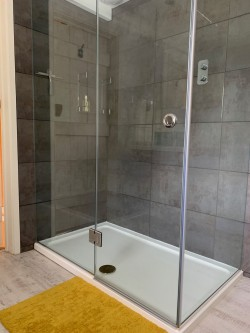 Property Image #18 of 28