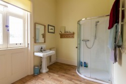 Property Image #26 of 34