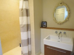 Property Image #21 of 42