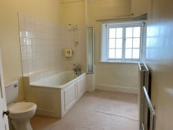 Property Image #16 of 25