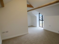 Property Image #13 of 22