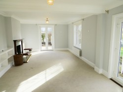 Property Image #4 of 34