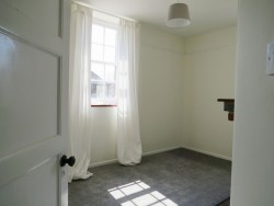 Property Image #8 of 9