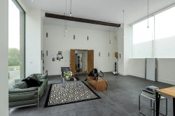Property Image #3 of 27
