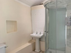 Property Image #14 of 19
